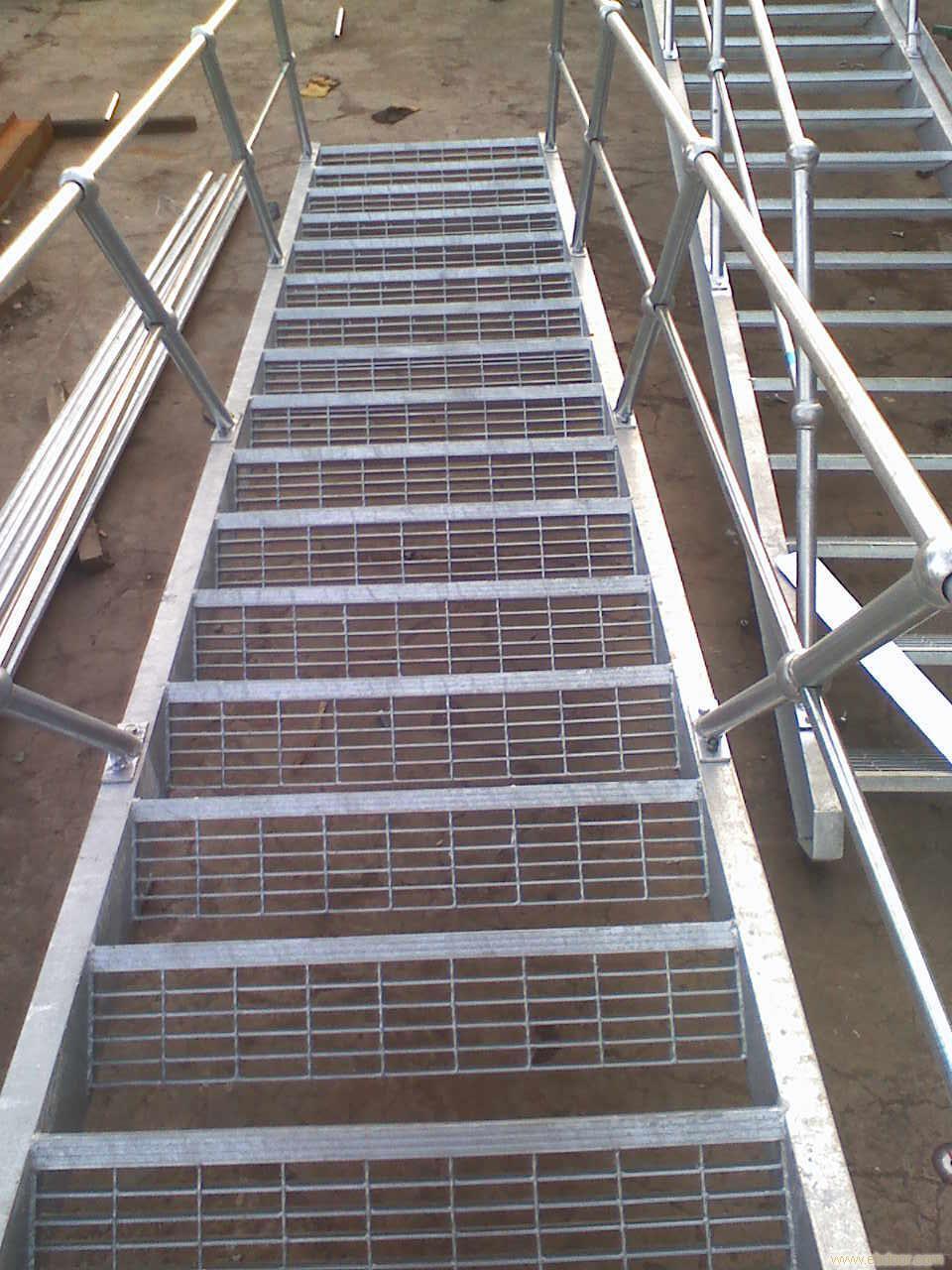 钢梯踏步板,钢梯板,梯踏板,踢踏板,脚踏板,钢梯台阶