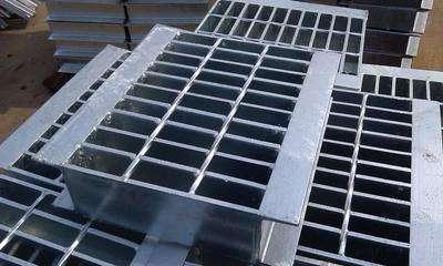 钢格板井盖板,钢格板井盖板厂家,钢格板井盖板规格,钢格板井盖板价格